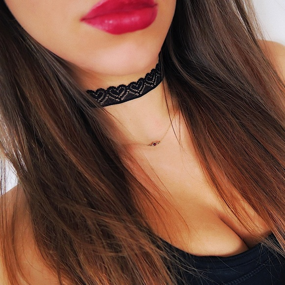 Jewelry - Elastic Heart Lace Choker